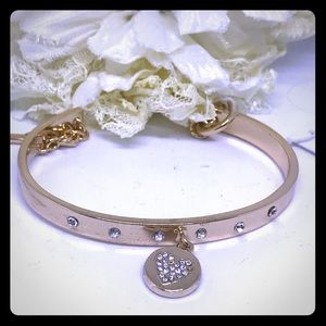 BCBG Gold Crystal Bracelet w Heart Toggle [JW-46]